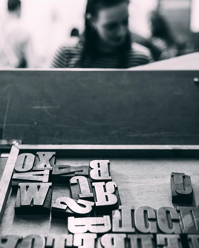 Choosing type at the @anthonyburrill x @fiasco_design x @theletterpresscollective workshop. - - - - -
